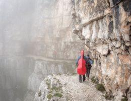 600px-ISuoniDelleDolomiti-trekking-fotoDanieleLira-Fototeca-TrentinoMarketing